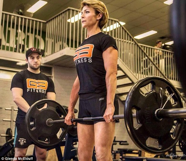Từ bỏ béo phì, ngoạn mục trở thành vận động viên thể hình - 2