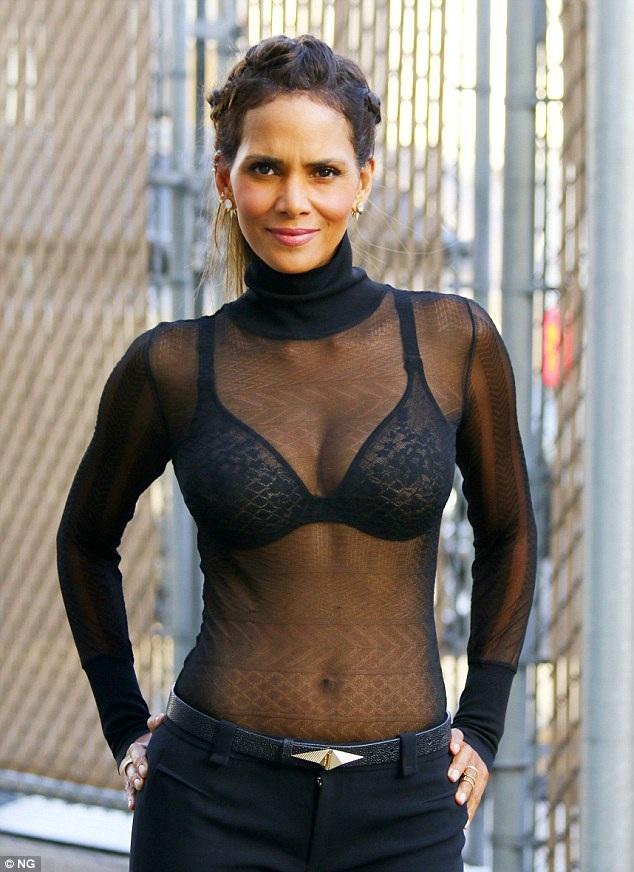 """""""Miêu nữ"""" mặc áo lưới lên truyền hình - 4"""