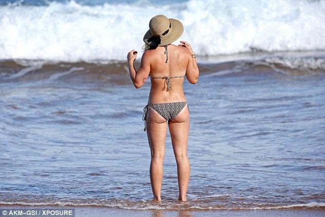 Hilary hiện đầy đặn hơn so với cách đây vài năm và cô khẳng định, khi tăng cân, cô thấy mình khỏe mạnh và vui vẻ hơn