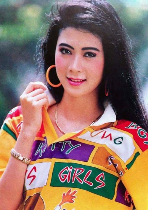 """Vẻ đẹp """"triệu người mê"""" của Nữ hoàng ảnh lịch Diễm Hương - 5"""