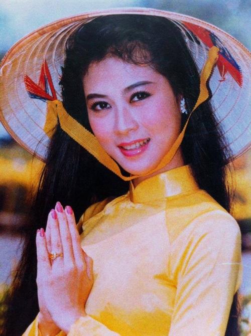 """Vẻ đẹp """"triệu người mê"""" của Nữ hoàng ảnh lịch Diễm Hương - 6"""