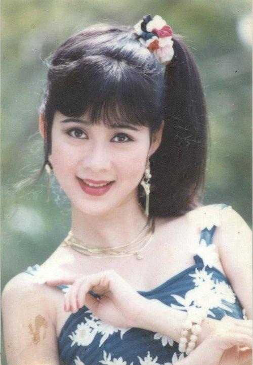 """Vẻ đẹp """"triệu người mê"""" của Nữ hoàng ảnh lịch Diễm Hương - 8"""