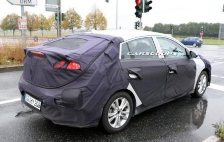 Hyundai hé lộ hình ảnh tân binh IONIQ - 10