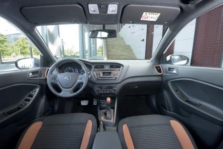 Hyundai i20 Active chính thức ra mắt thị trường Việt Nam - 5