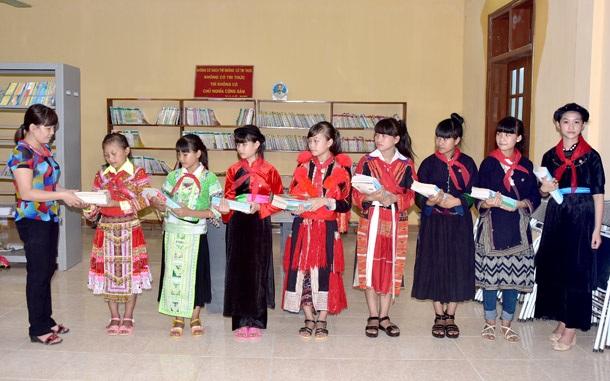 C:\Users\DT174\Desktop\Học sinh trường Dân tộc nội trú THCS Chiêm Hóa Sơn La.jpg