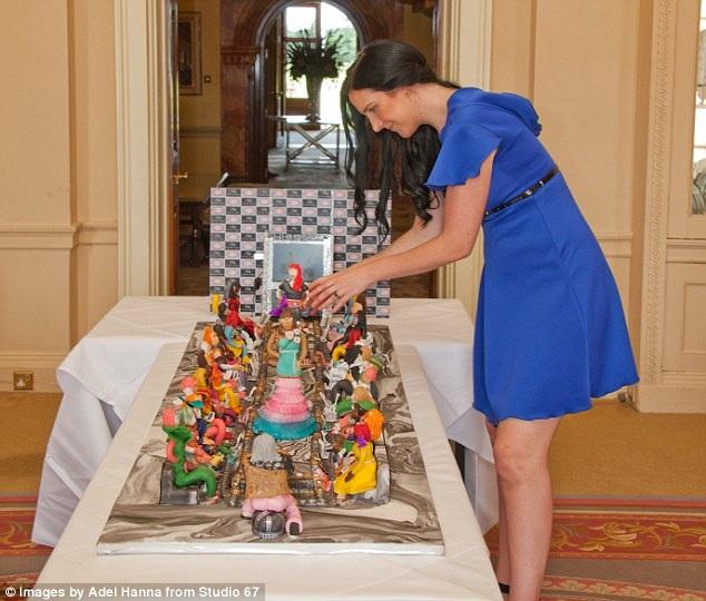 Wingham trước đó từng thiết kế chiếc váy đắt giá nhất thế giới với giá 11,5 triệu bảng - Ảnh: Adel Hanna/Studio 67