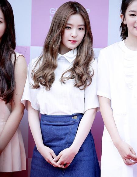 Irene có vẻ đẹp tự nhiên, trong sáng