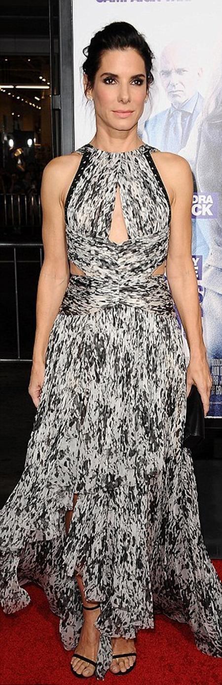 """""""Hoa hậu FBI"""" diện một chiếc váy có thiết kế độc đáo…"""