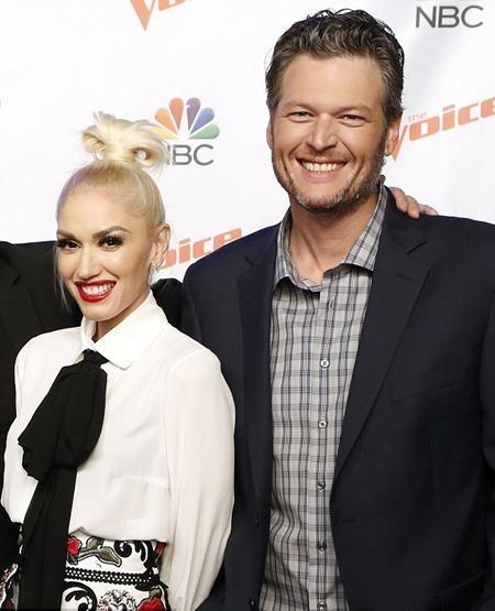 Blake Shelton và Gwen Stefani chính thức công khai hẹn hò
