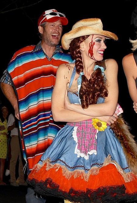 Cặp sao bị bắt gặp đi chơi Halloween