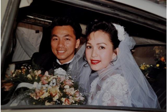 """Cho đến bây giờ khách dự tiệc cưới lúc đó vẫn không thể quên được đám cưới """"có một không hai"""" của Diễm My vì đây là đám cưới đầu tiên của một diễn viên đãi khách bằng tiệc buffet ở một khách sạn nổi tiếng của Sài Gòn. Trong ngày vui hôm đó, khách dự tiệc là giới nghệ sỹ thì rất thích thú vì vừa chọn đồ ăn thoải mái lại vừa được trò chuyện còn họ hàng cô dâu chú rể lại e dè vì lần đầu được mời cưới bằng cách ăn tiệc đứng."""