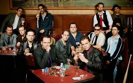 """Các """"Cựu Paypal"""" được tạp chí Forbes gọi hài hước là """"Paypal Mafia, chụp ảnh chung trong trang phục Mafia năm 2007."""