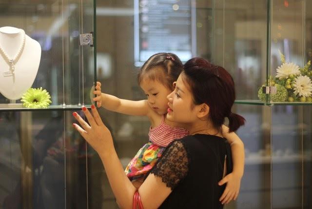 Ngoài công việc hàng ngày, Hương luôn dành thời gian quan tâm, chăm sóc cho gia đình