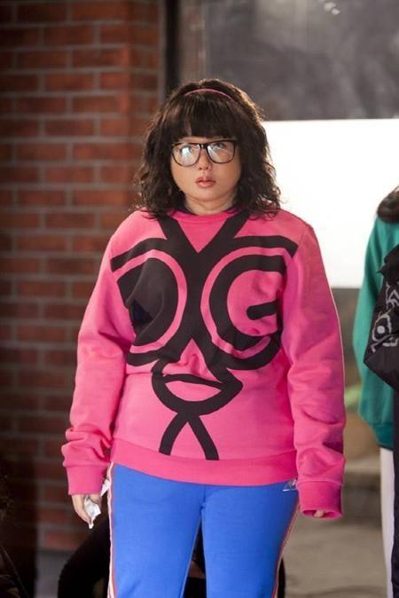 """Cô ca sĩ xinh đẹp IU cũng mất tới 5 giờ đồng hồ cho mỗi lần hóa trang trong phim """"Bay cao ước mơ"""""""