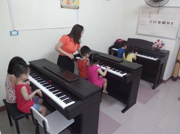 Thực hiện xã hội hóa giáo dục của trường mầm non song ngữ - 5