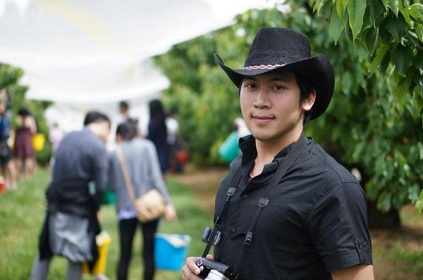 Sơn Jack – chàng kiến trúc sư trẻ sở hữu giọng ca ấn tượng và đệm đàn điêu luyện.