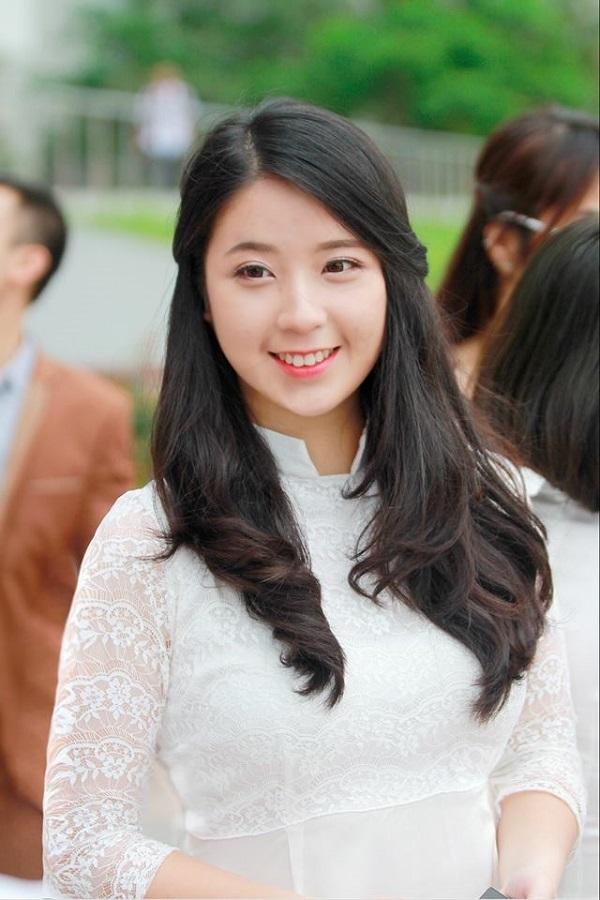 Cựu đại sứ xinh đẹp trường Ams Nguyễn Kim Chi