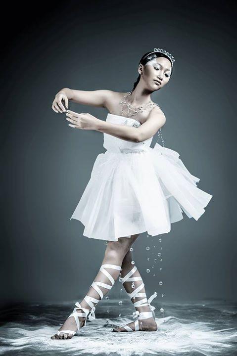 Thiết kế của Chi ra mắt tại Fashion Show Mắt thời gian
