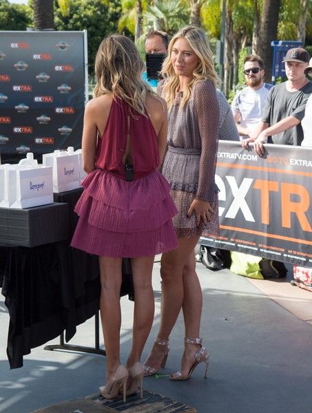 Ngôi sao quần vợt Maria Sharapova làm khách trong show truyền hình Extra ngày 16/9 vừa qua