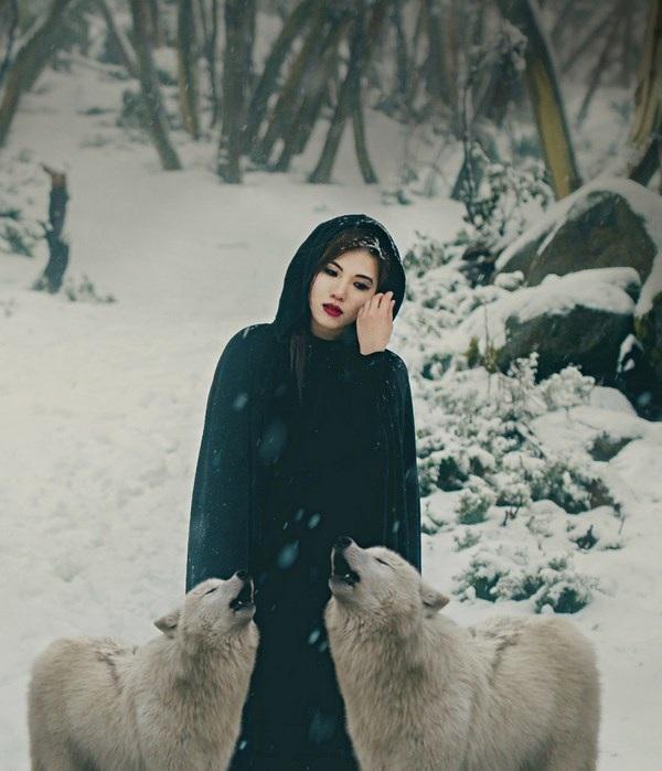 """Cuốn hút bộ ảnh """"ma sói trên núi tuyết"""" của nữ DHS Việt - 1"""