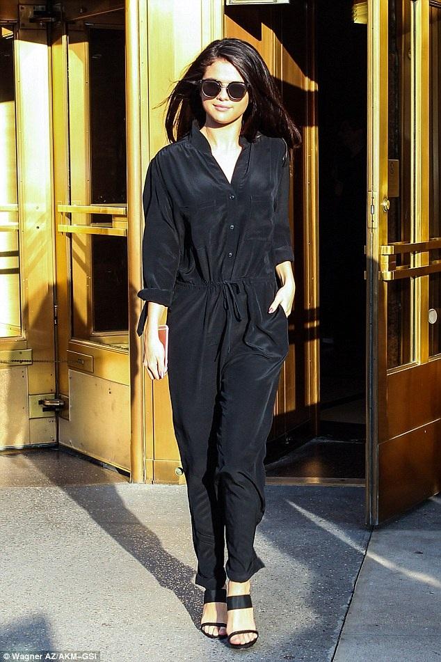 Fans của Selena Gomez rất vui khi nghe cô thông báo, cô sẽ đi lưu diễn vòng quanh nước Mỹ từ tháng 5 năm sau để quảng bá cho album Revival