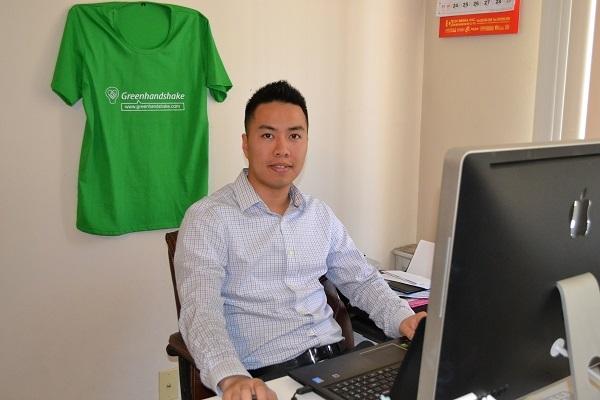 """Sơn Nguyễn – """"cha đẻ"""" của sản phẩm công nghệ độc đáo, mới mẻ dành riêng cho đối tượng cộng đồng người nhập cư vào Mỹ."""
