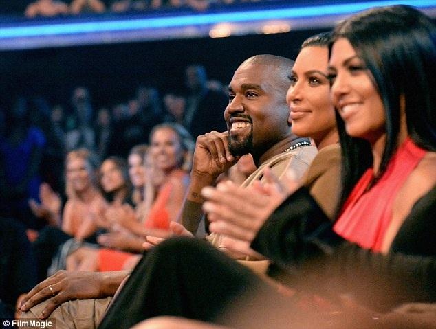 Taylor Swift hàn gắn với Kanye West - 5