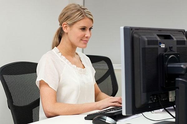 Ghế xoay giúp dân văn phòng có tư thế ngồi đúng hơn (Ảnh: Internet)