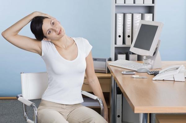 Các bài tập nhẹ nhàng sẽ giúp cơ thể hoạt động tích cực và giữ vóc dáng (Ảnh: Internet)
