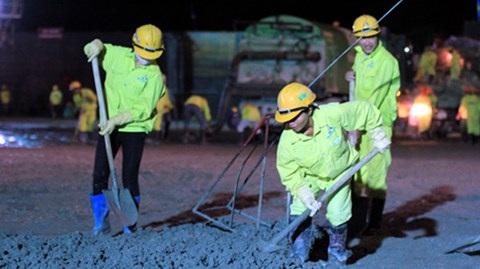 Người lao động làm việc ban đêm.