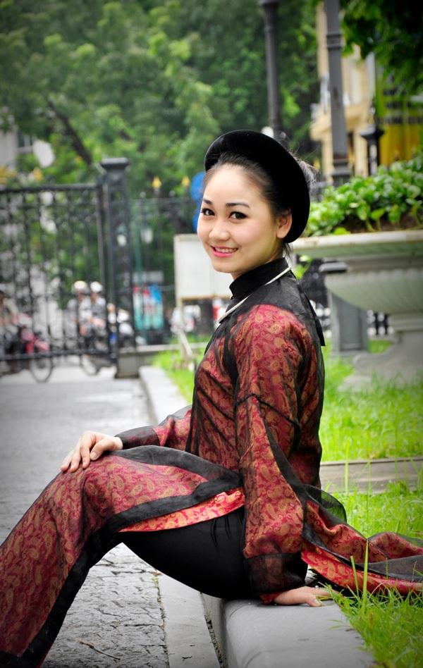Nữ thủ khoa xinh đẹp gắn bó với nghiệp ca nương - 4