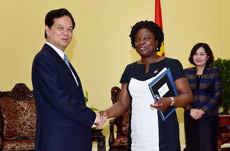 Thủ tướng Nguyễn Tấn Dũng tiếp bà Victoria Kwakwa, Giám đốc Ngân hàng Thế giới (WB) tại Việt Nam. Ảnh: VGP/Nhật Bắc