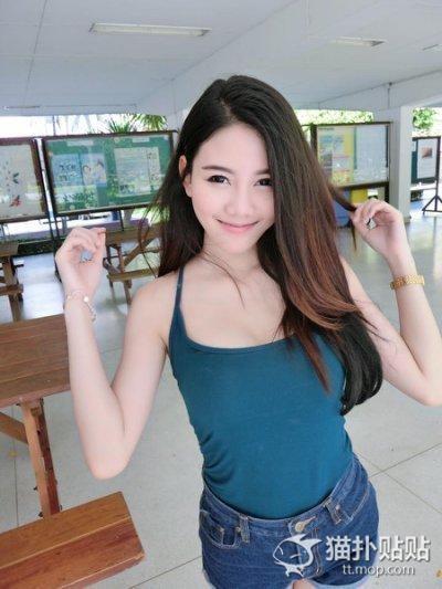 Tạo dáng trong thư viện, nữ sinh Thái Lan bất ngờ nổi tiếng - 7