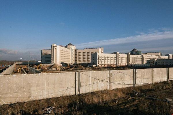 """Choáng với """"nhà tù 5 sao"""" lớn nhất châu Âu của nước Nga - 1"""