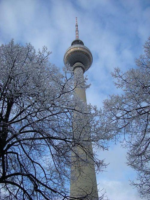Tuyết đầu mùa khoác áo choàng trắng cho Berlin