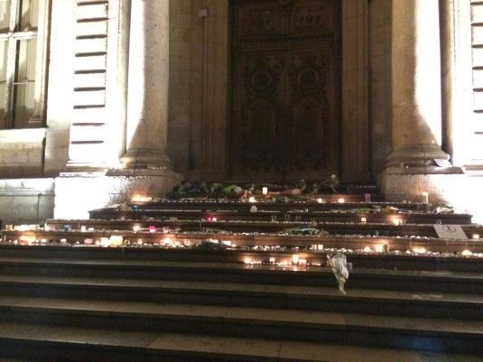 Tưởng niệm vụ khủng bố 13/11 tại Lyon ngày 14/11/2015