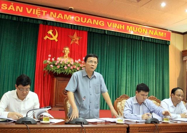Ông Nguyễn Phong Cầm - Phó Chủ tịch UBND quận Ba Đình cho rằng không phải hỏi ý kiến người dân việc xây đường cống mới tại số nhà 146 Quán Thánh.