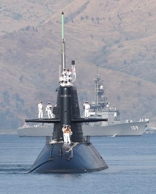 Tầu ngầm Oyashio của Nhật Bản cập cảng Subic, một quân cảng chiến lược của Philippines, ngày 3/4.