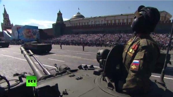 Lễ duyệt binh mừng Ngày Chiến thắng cũng được tổ chức tại nhiều thành phố, gồm Vladimir, Irkutsk, Novosibirsk, Yoshkar-Ola, Barnaul, Omsk, Kirov, và Nizhny Tagi.