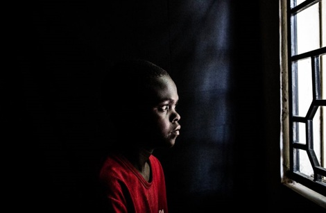 Gbenga, 12 tuổi cùng từng bị Boko Haram bắt cóc nhưng may mắn trốn thoát.