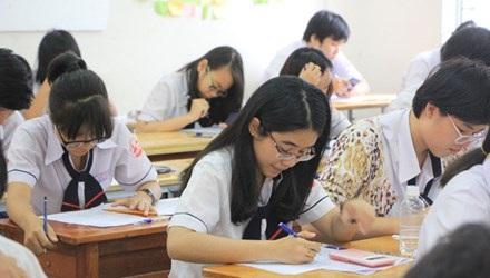 Học sinh lớp 12 nhiều trường bắt đầu bước vào giai đoạn ôn thi.