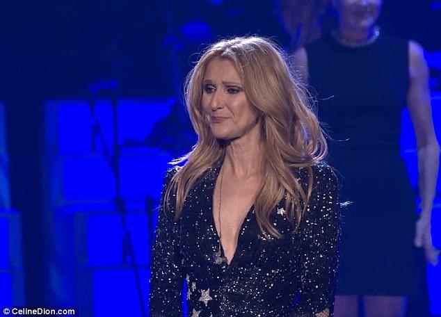 Celine Dion vẫn rất xúc động khi trở lại sân khấu Las Vegas trình diễn vào tối 23/2.