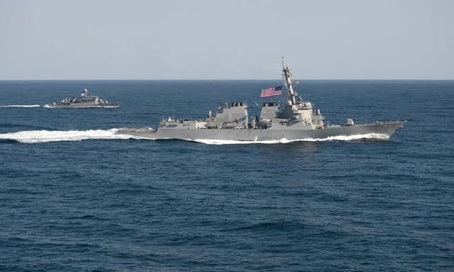 Tàu USS Lassen của Mỹ hoạt động tại Biển Đông. (Ảnh: AP)