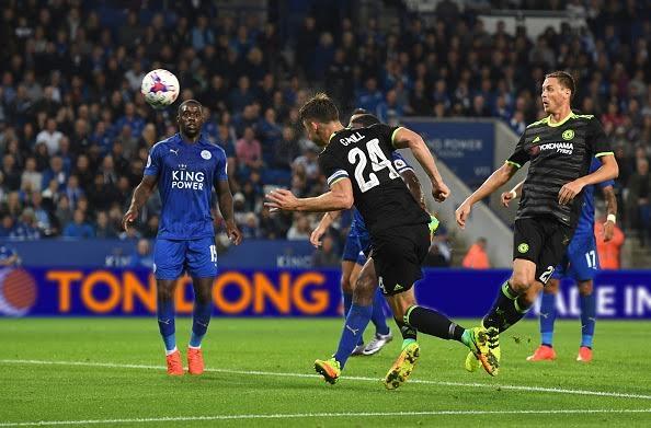 Cahill gỡ hòa cho Chelsea ở cuối hiệp 1