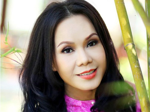 Nghệ sĩ Việt Hương: Sau tấm màn nhung là nước mắt - 1