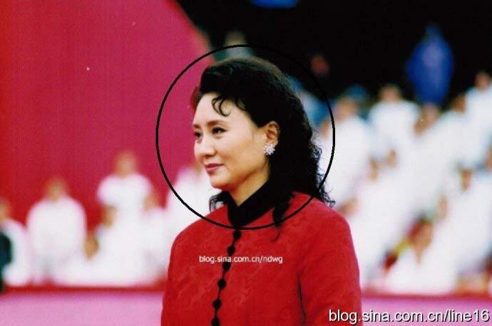 Giả Hiểu Diệp là một phụ nữ có gương mặt khả ái và chiều cao lý tưởng. (Ảnh: Sina)