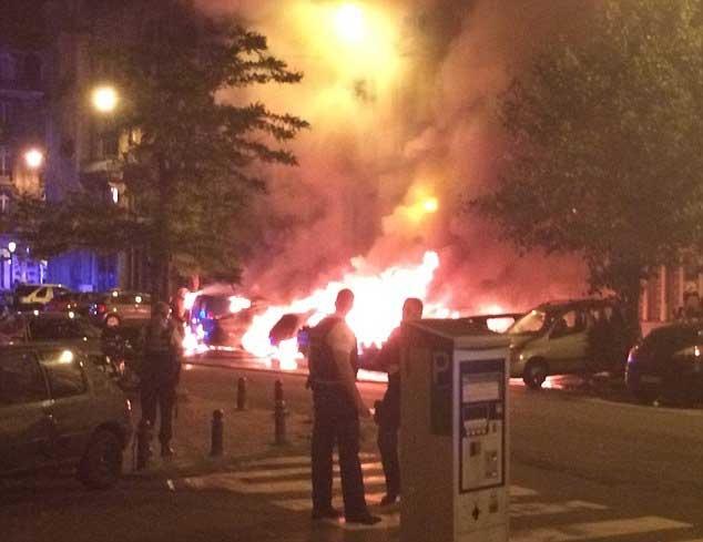 Nổ liên tiếp, lửa cháy rực trời ở thủ đô Bỉ - 1