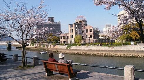 Bỏ lại tất cả đau thương của quá khứ, Hiroshima đã đứng dậy và phát triển một cách mạnh mẽ. (ảnh: duhoc.kyodai.vn)