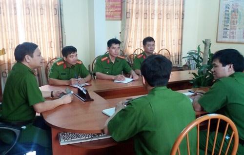 Một buổi họp trước giờ phá án của Phòng cảnh sát truy nã tội phạm Công an tỉnh Hải Dương.
