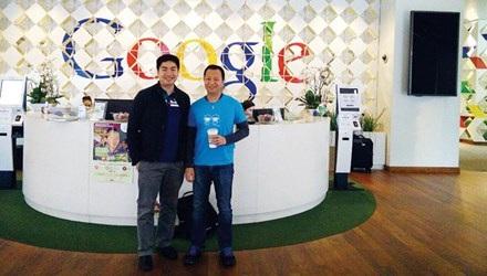 """Nguyễn Thành Nhân (bên trái) được giám đốc tài chính của Google đánh giá là """"nguồn oxy"""" cho sự tăng trưởng của Google."""